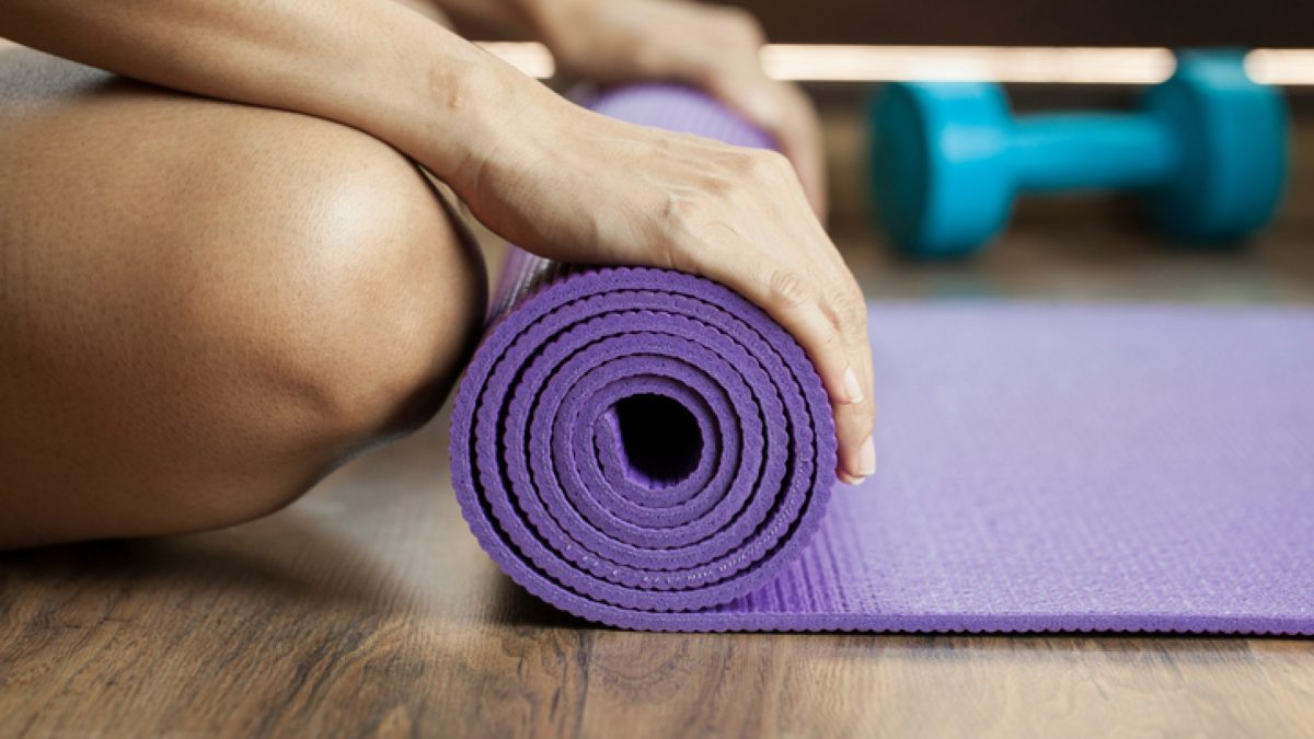 Join me on mat [The Gym Yoga]